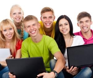 БЕСПЛАТНЫЙ осмотр и консультация школьников и студентов!